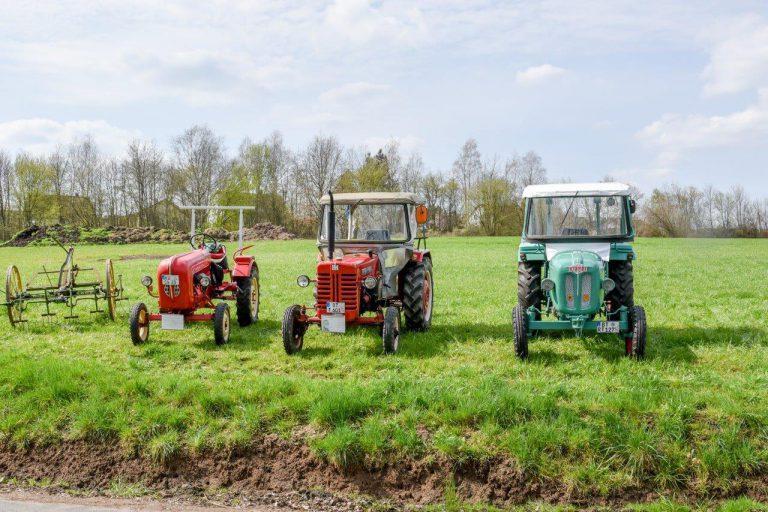 Historische Traktoren am 1. Rotmaintaler Mühlentag