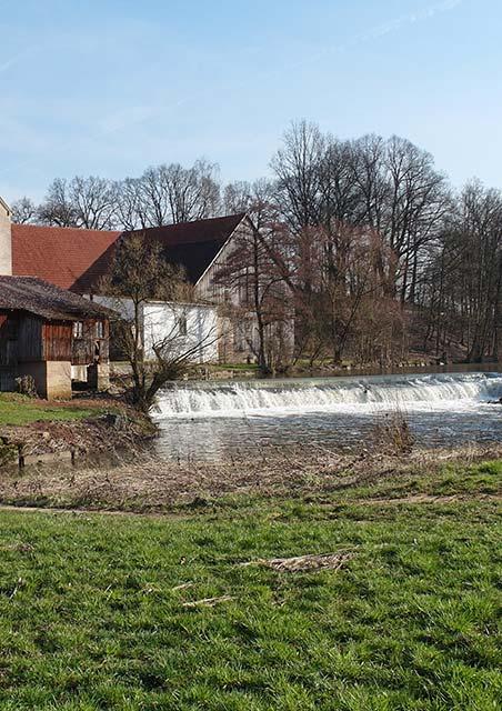 Historische Mühle Dreschen