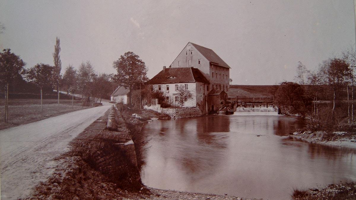 """Bild von 1910 """"Der photographierende Rittmeister"""""""