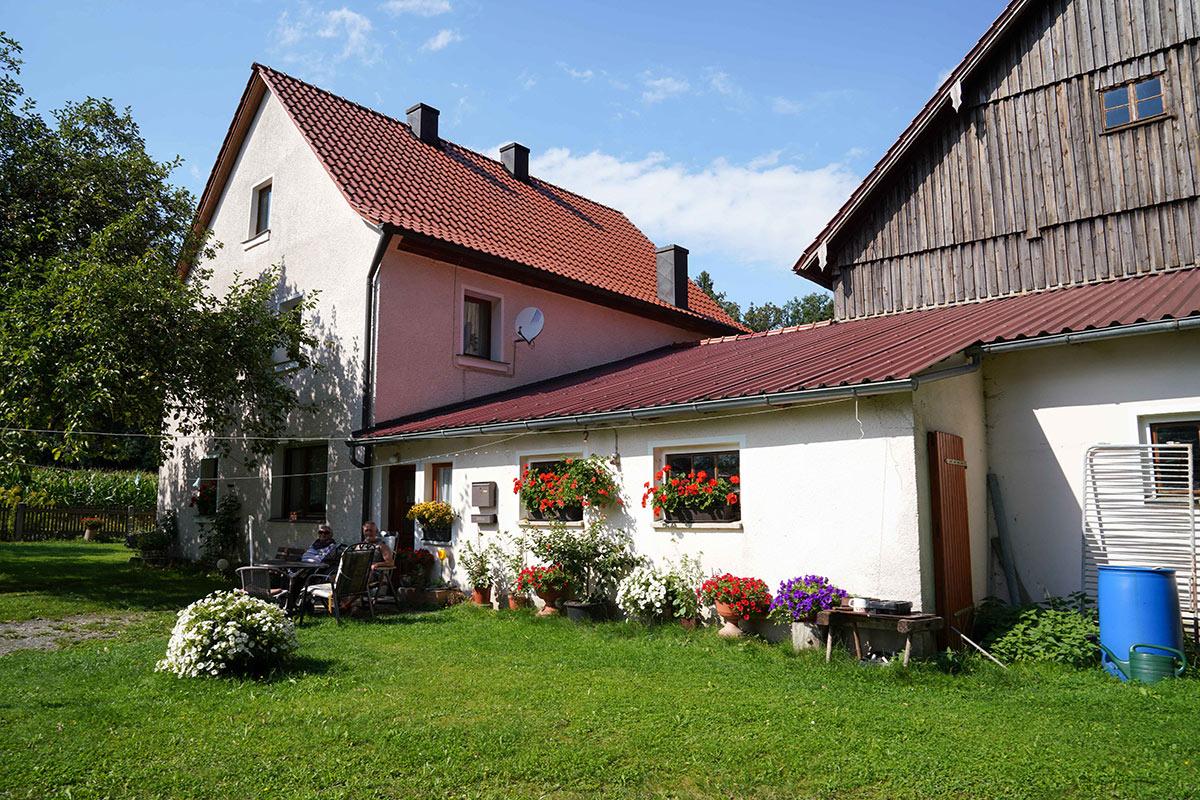 Neumühle - Wiederaufgebautes Wohnhaus fertiggestellt 1947